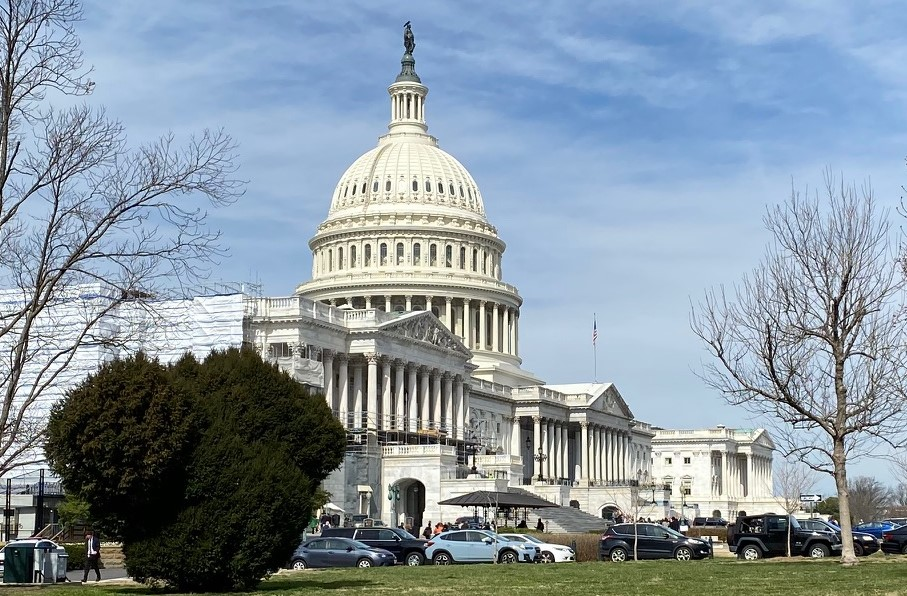 Congress Grapples with FCC's Decision on Ligado