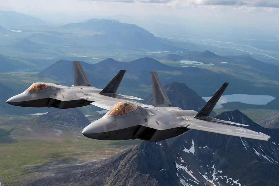 Russia is Jamming GPS Systems of Powerful F-22 Raptors, F-35 Jets in Middle East – Eurasian Times